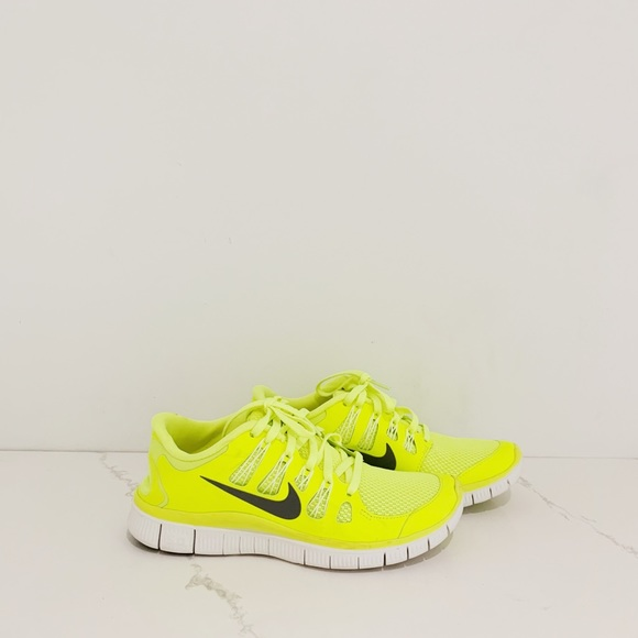 Nike Shoes   Free 50 Fluorescent Yellow
